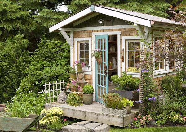 cozy-garden-house